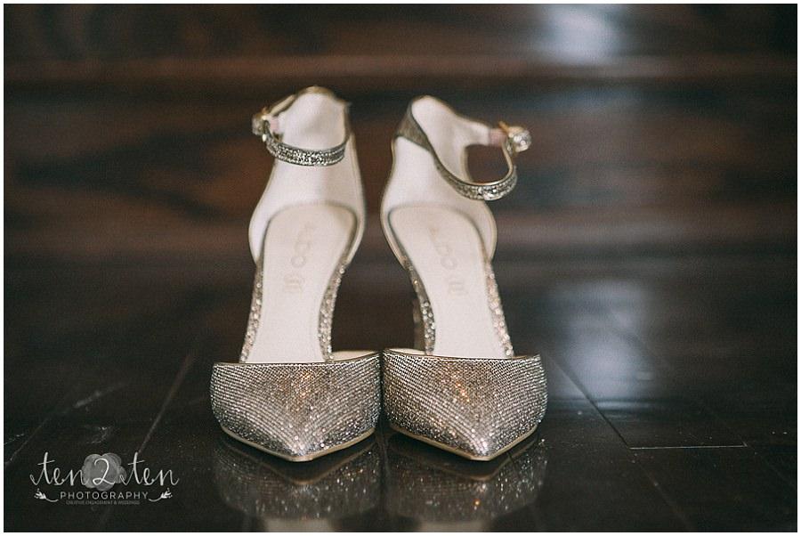 wedding detail photos, gold wedding shoes, indian wedding photography, ten2ten photography, best toronto wedding photo