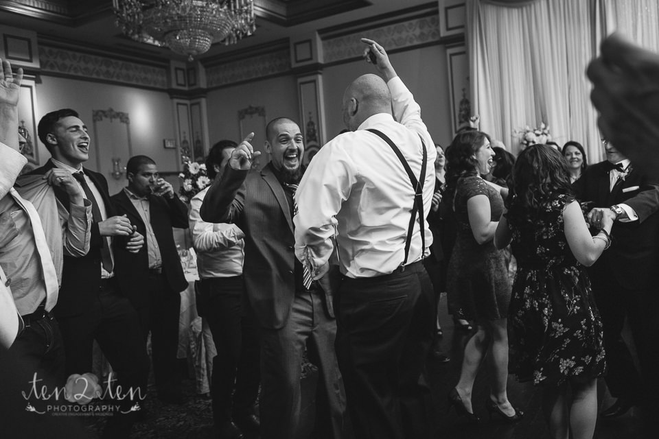 wedding reception photography, black and white wedding reception, dancefloor, wedding reception, toronto wedding photographer