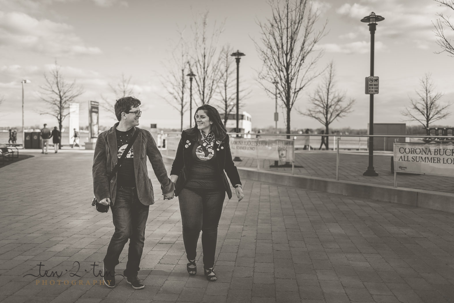 toronto harbourfront engagement photos, harbourfront engagement photos, harbourfront engagement shoot, toronto lakeshore engagement photos, toronto engagement photos