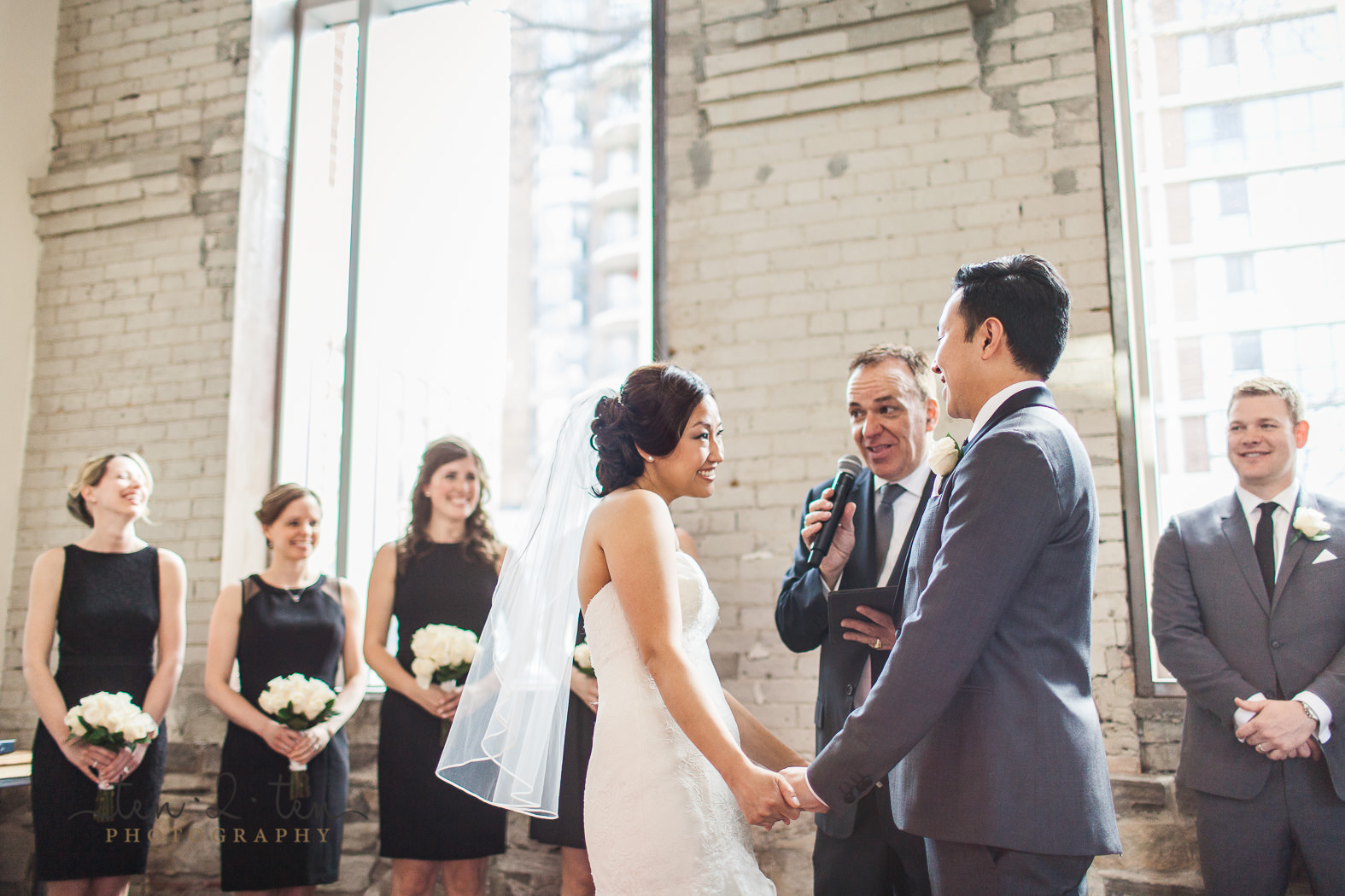 hotel ocho wedding, hotel ocho wedding photos, hotel ocho wedding photography, downtown toronto wedding, wedding ceremony at hotel ocho