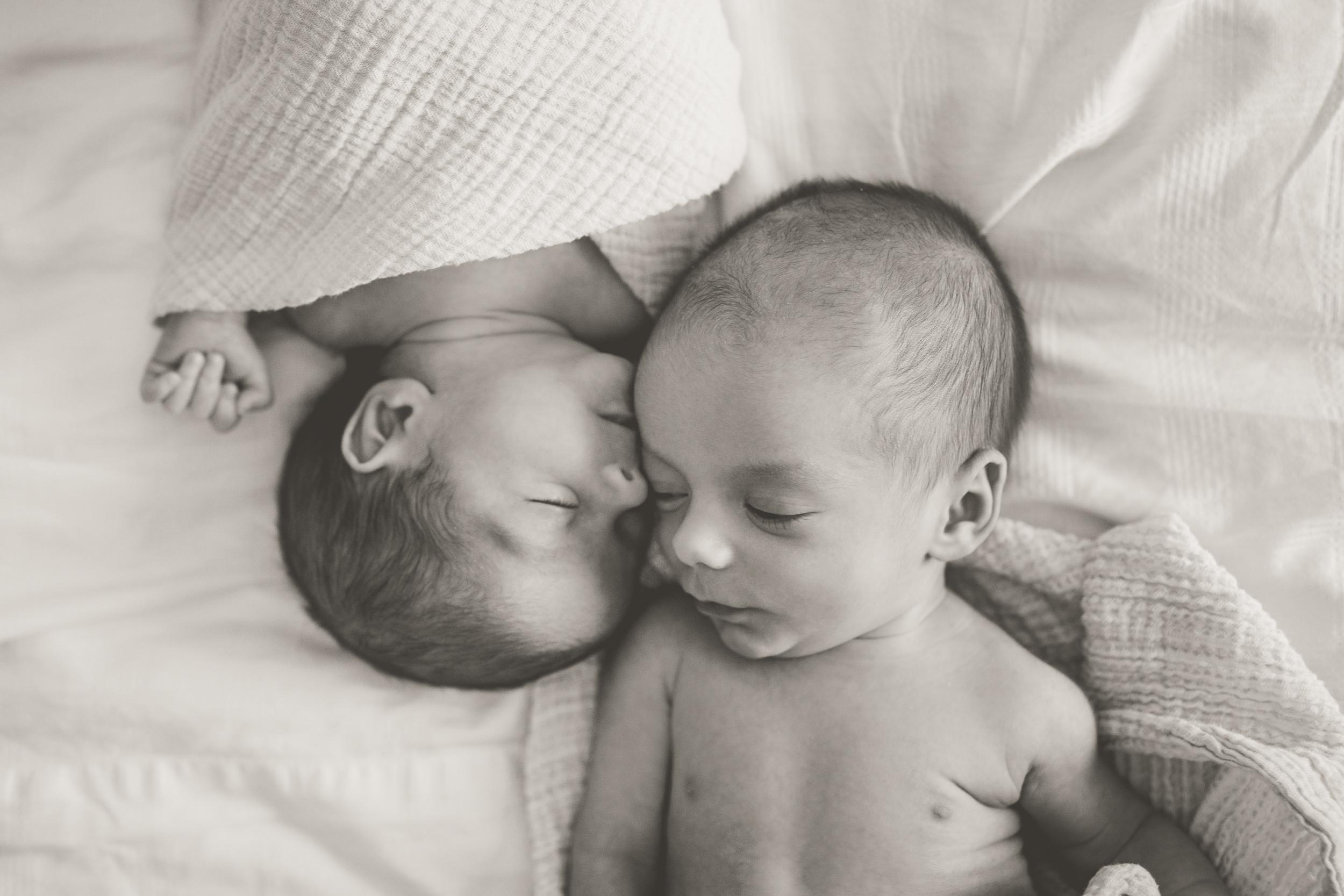 toronto lifestyle photographer ten2tenphotography 55 - Toronto Newborn Twin Photographer