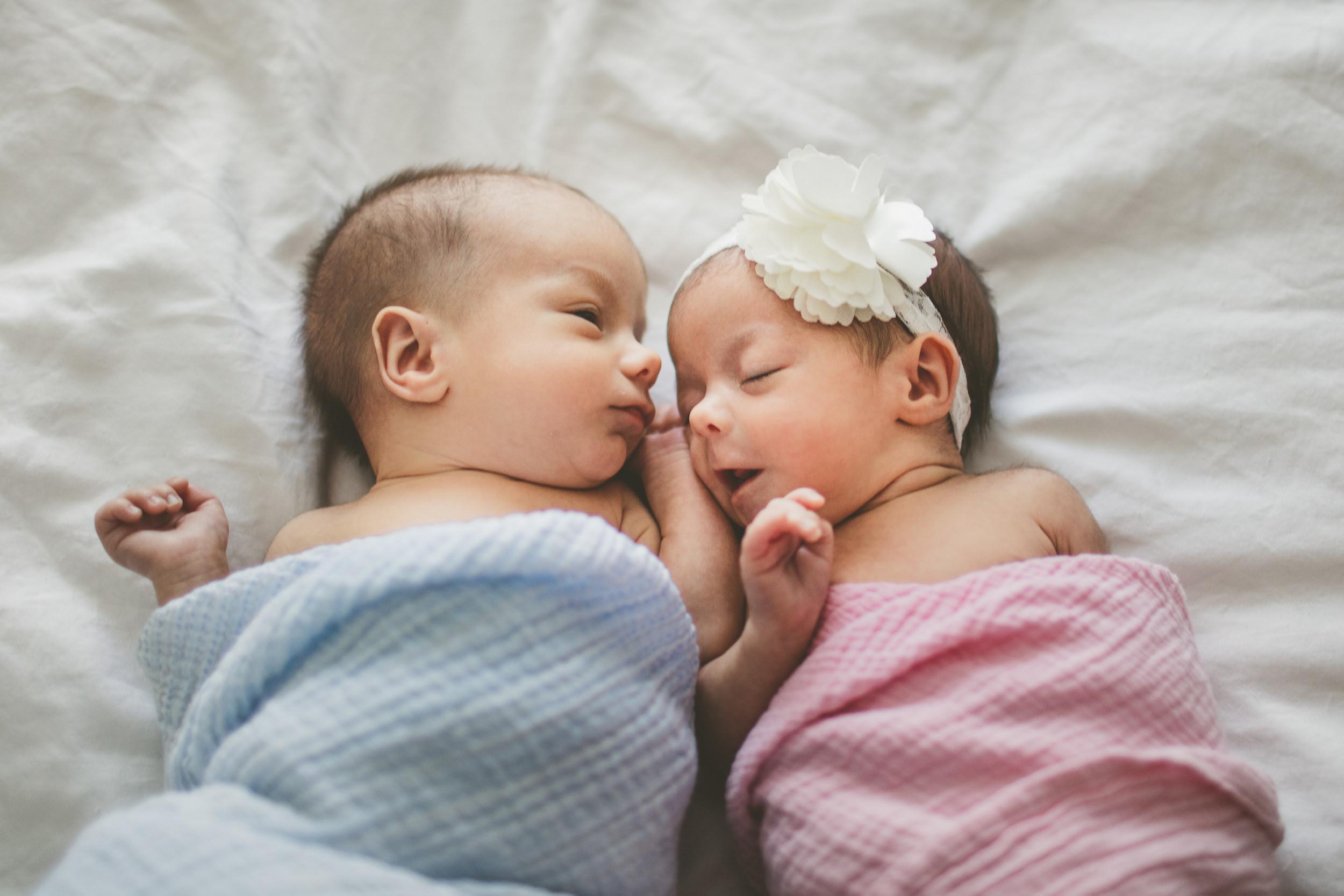 toronto lifestyle photographer ten2tenphotography 7 - Toronto Newborn Twin Photographer