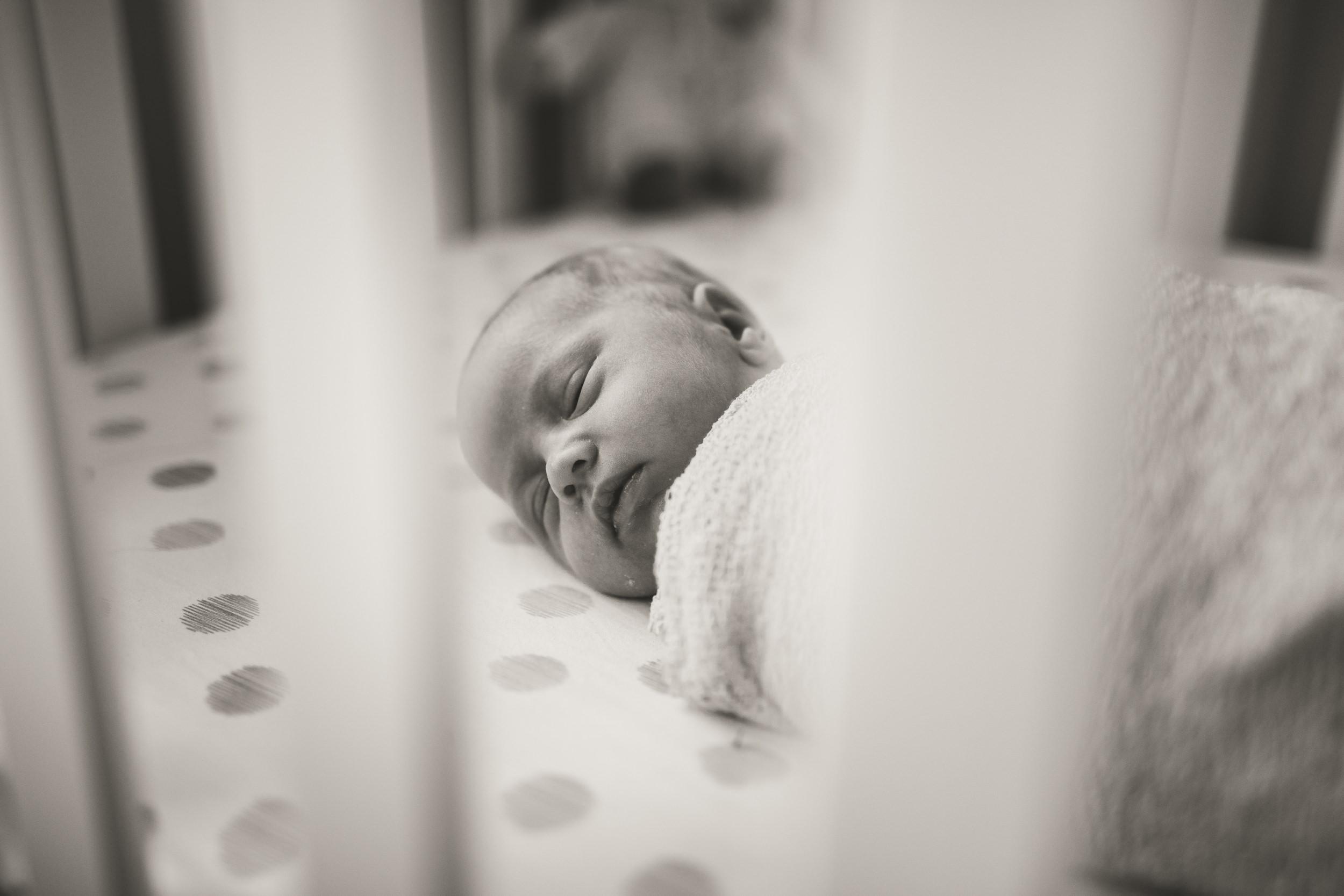 toronto lifestyle photographer ten2tenphotography 12 - Toronto Newborn Twin Photographer