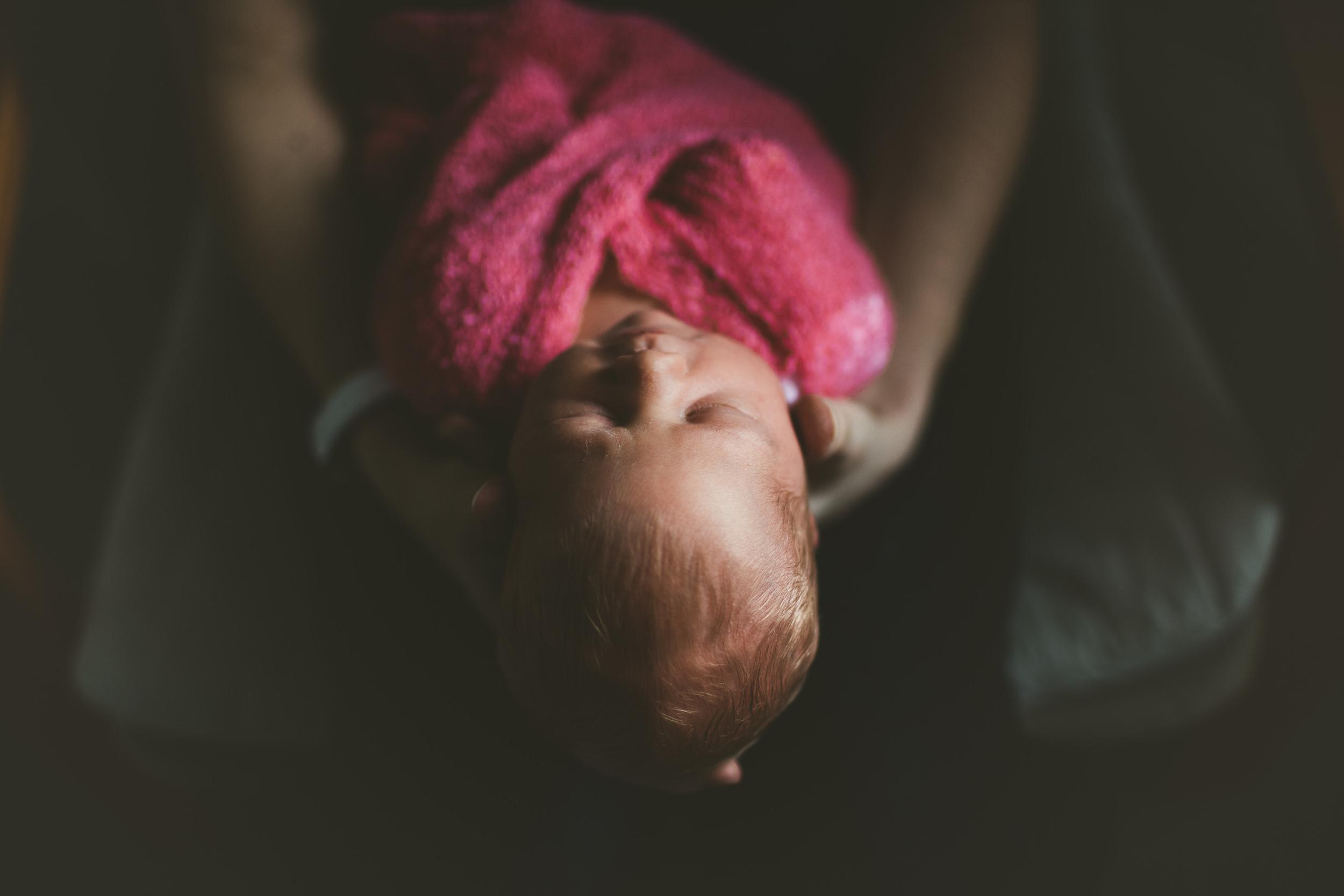 toronto newborn photographer, toronto newborn twin photographer, toronto newborn lifestyle photographer, toronto twin lifestyle photographer, toronto lifestyle photographer
