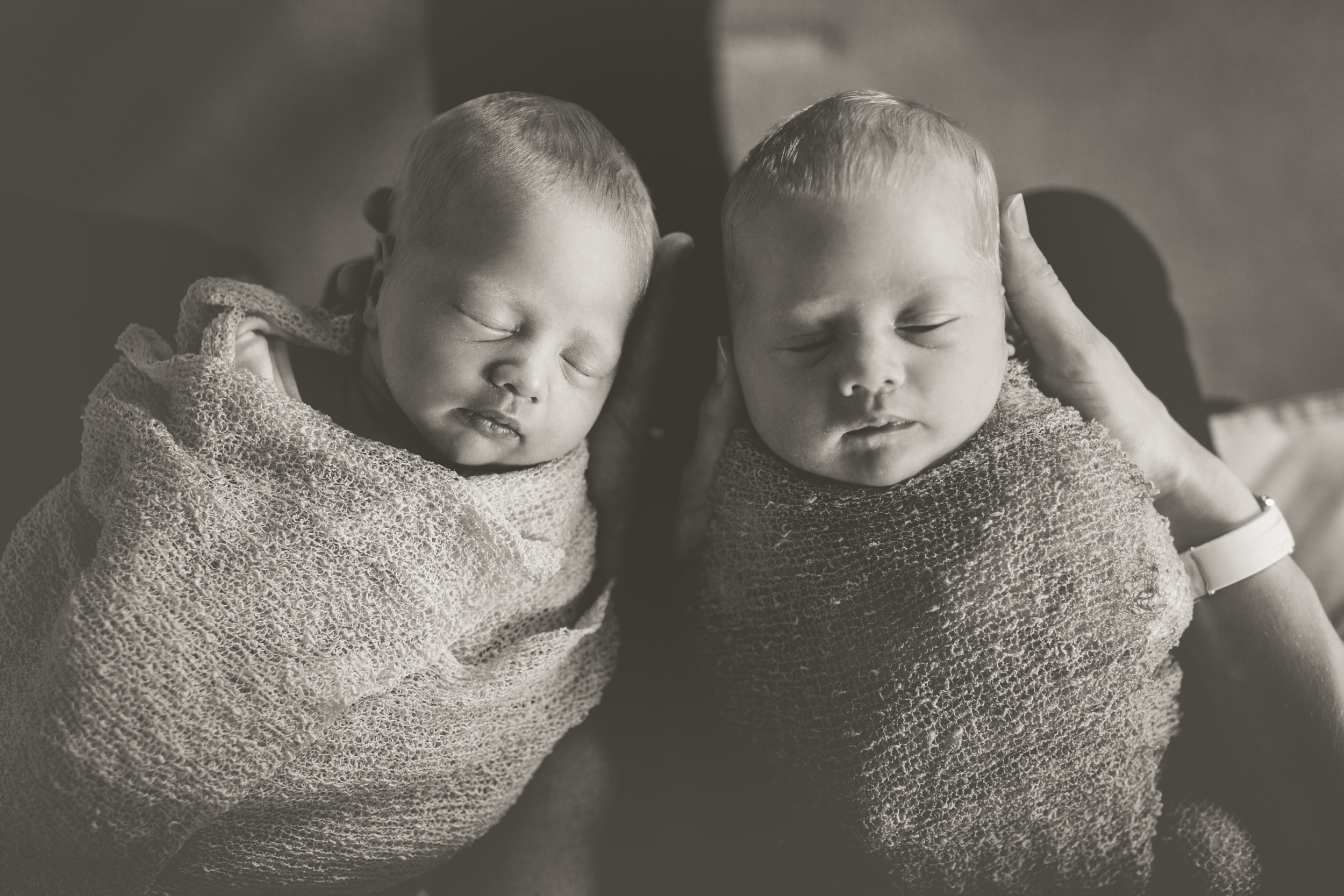 toronto lifestyle photographer ten2tenphotography 49 - Toronto Newborn Twin Photographer