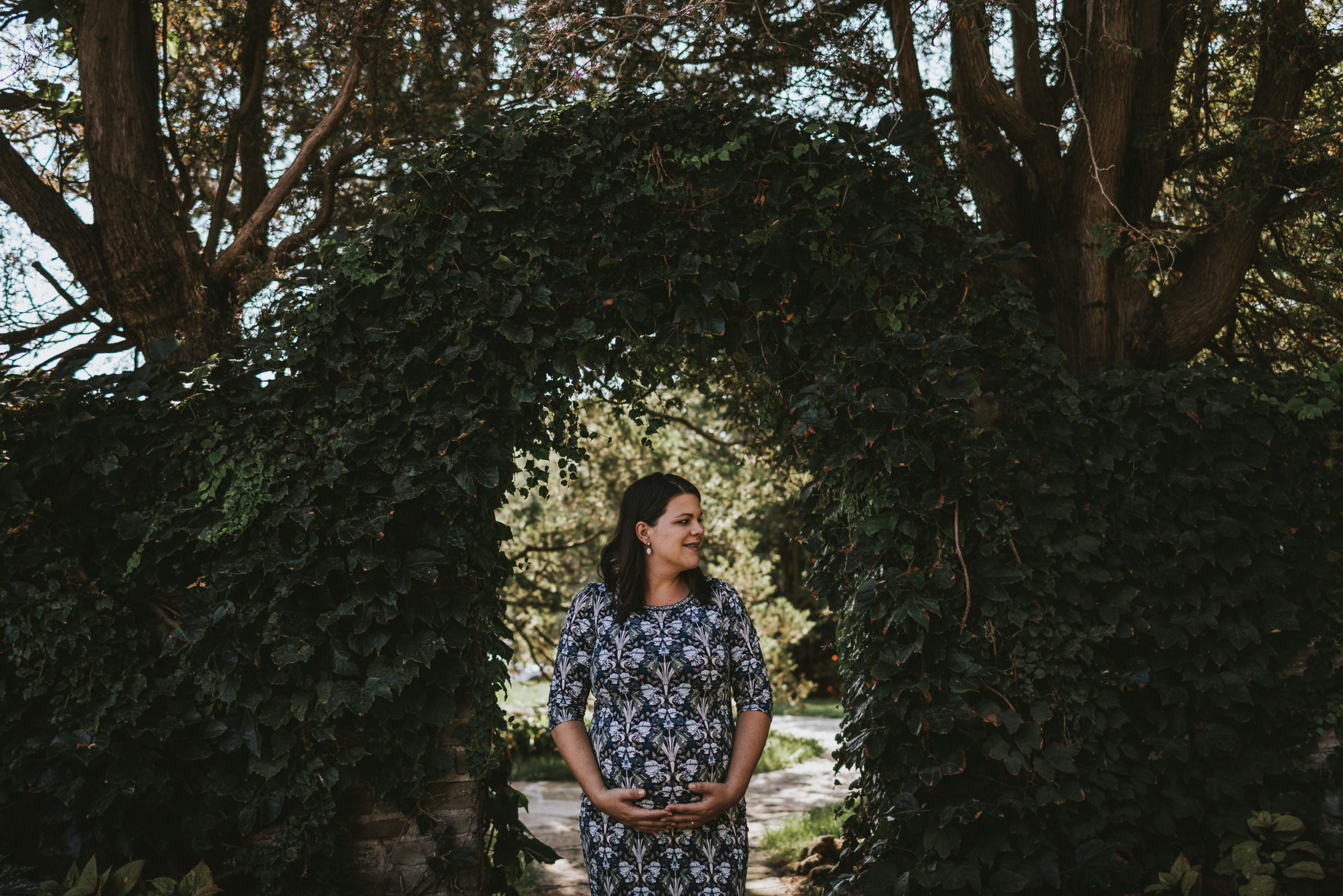 coping with pregnancy loss during wedding season, what to expect when you're a pregnant wedding photographer, pregnant wedding photographer