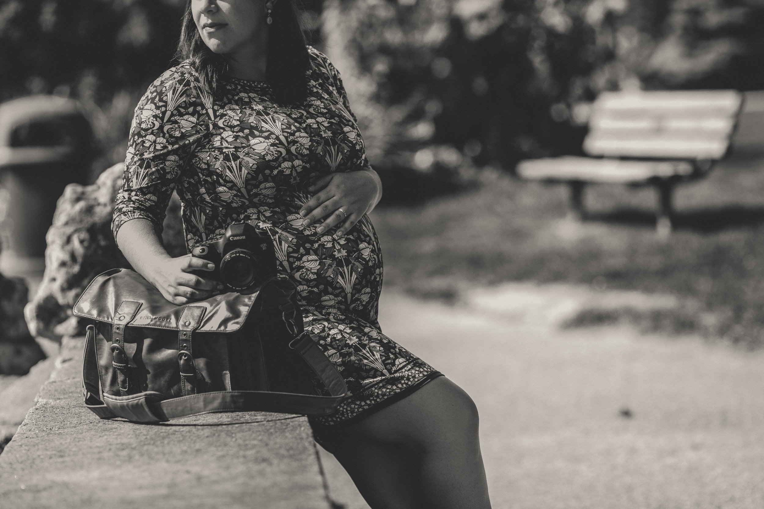 postpartum depression and self-employment, what to expect when you're a pregnant wedding photographer, pregnant wedding photographer