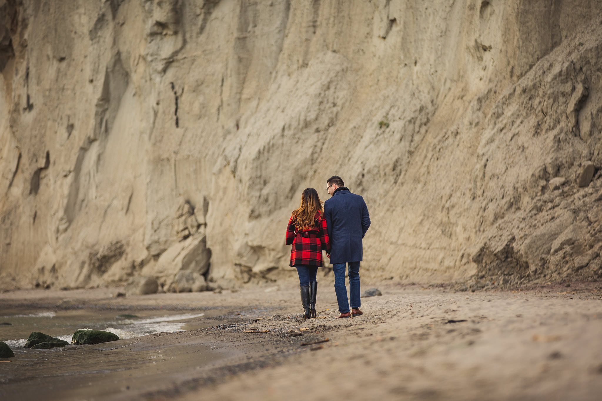 scarborough bluffs engagement photos, fall engagement photos scarborough bluffs, fall engagement photos toronto, engagement photos water toronto