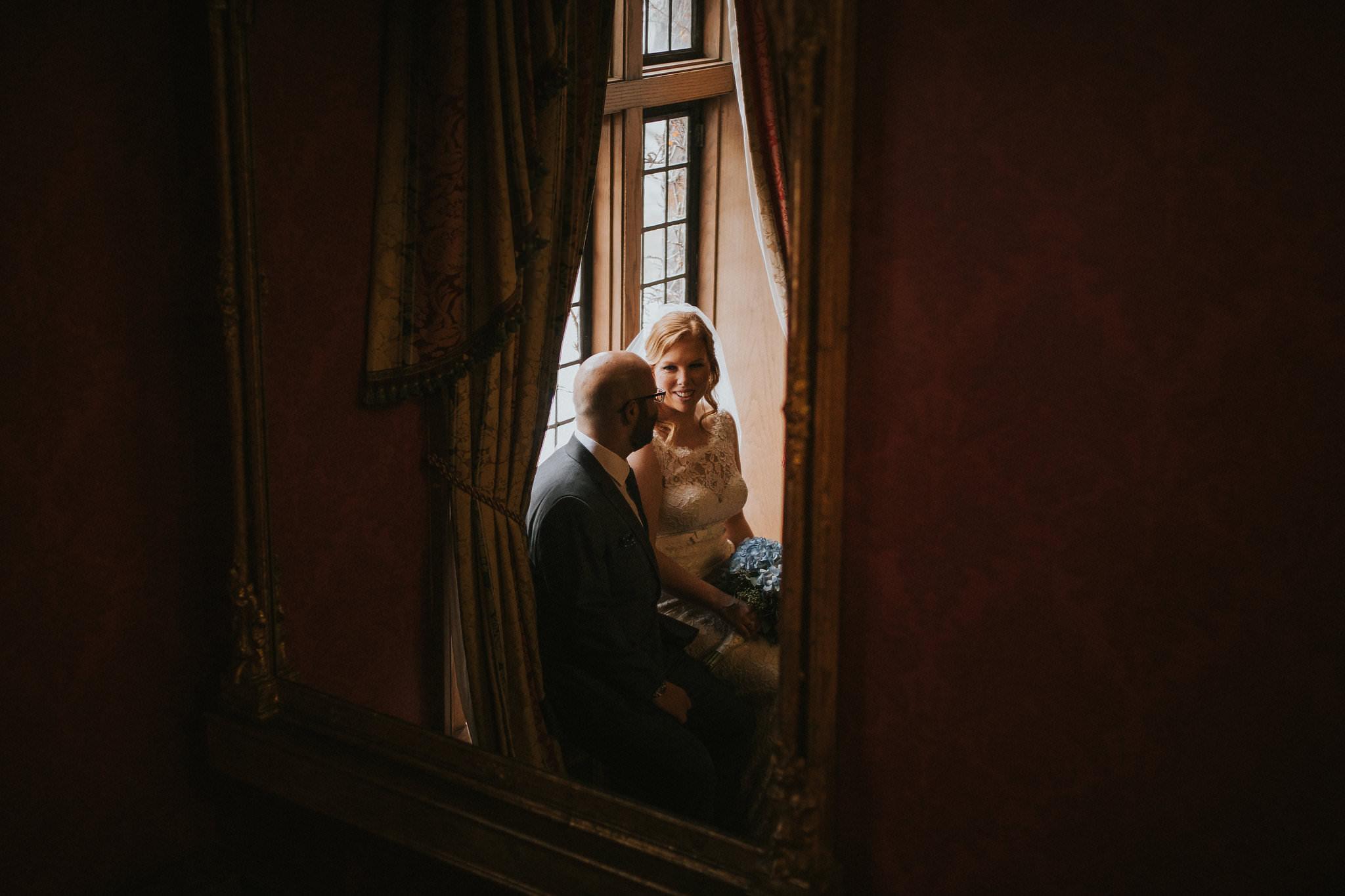 couples photos at bob rumball manor