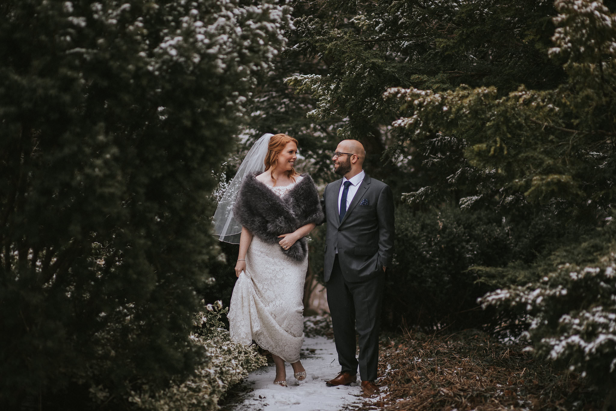 winter wedding photos in toronto