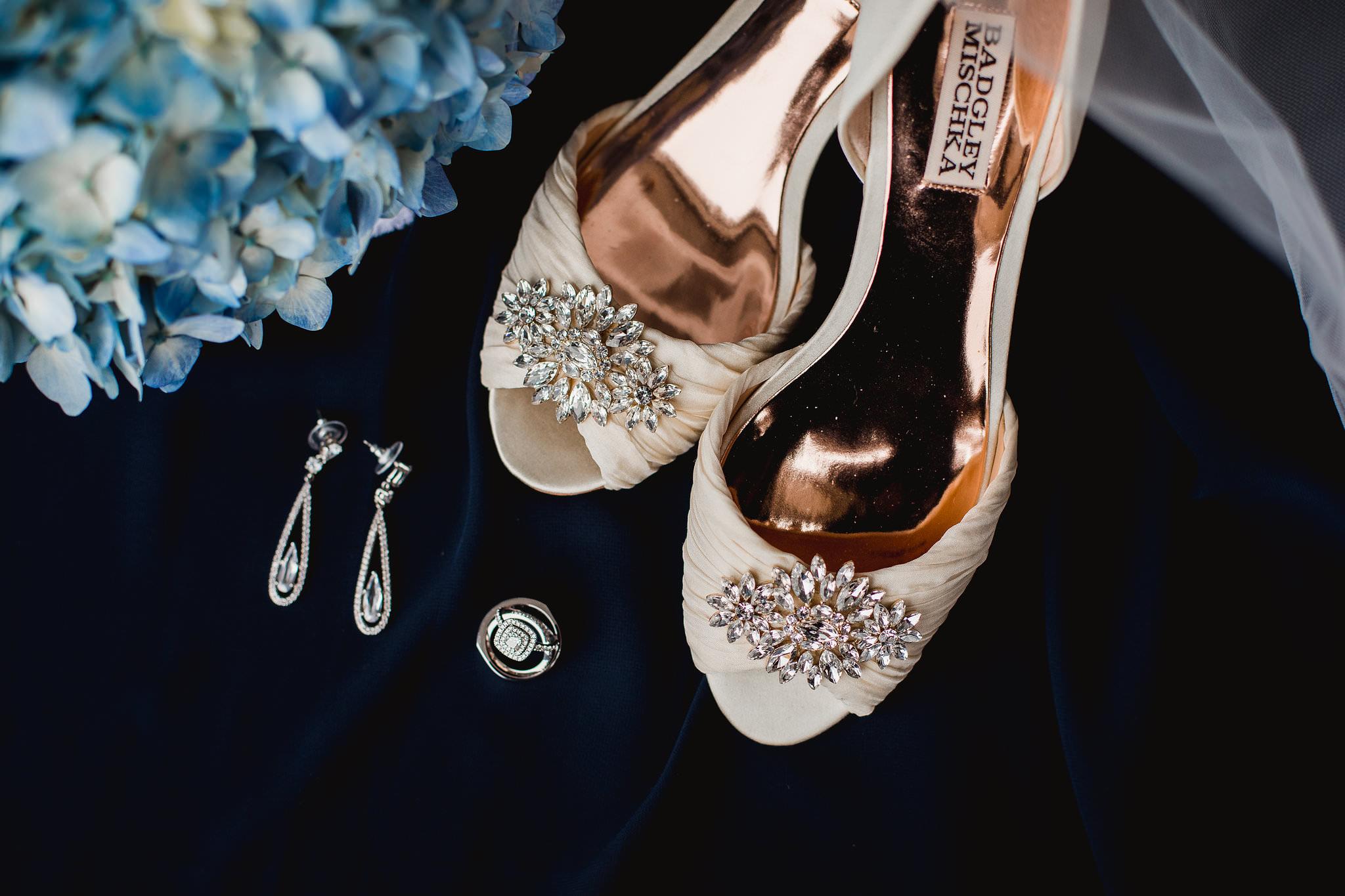 layflat mischka badgley shoes