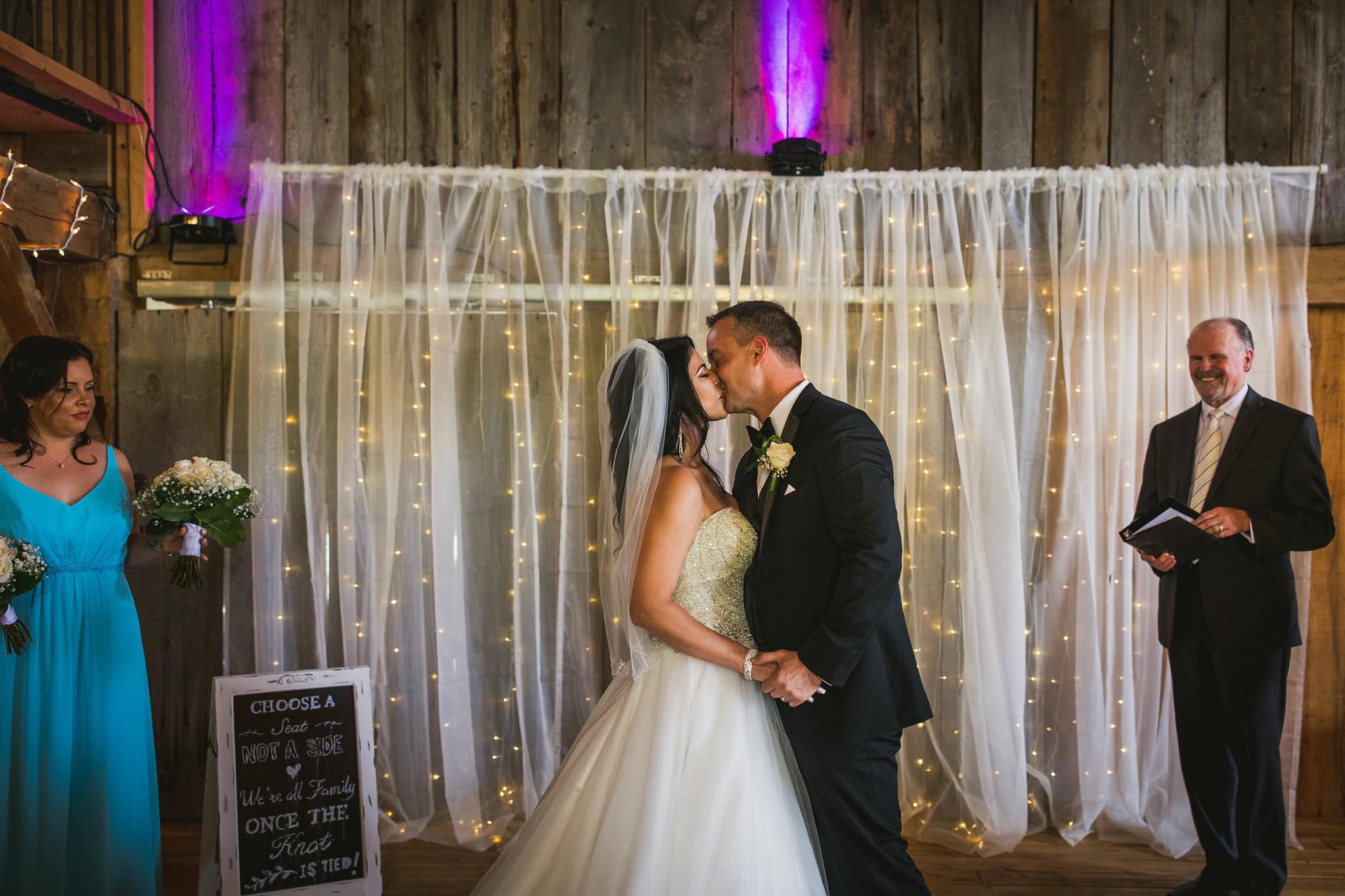 stoneacre farm wedding puslinch
