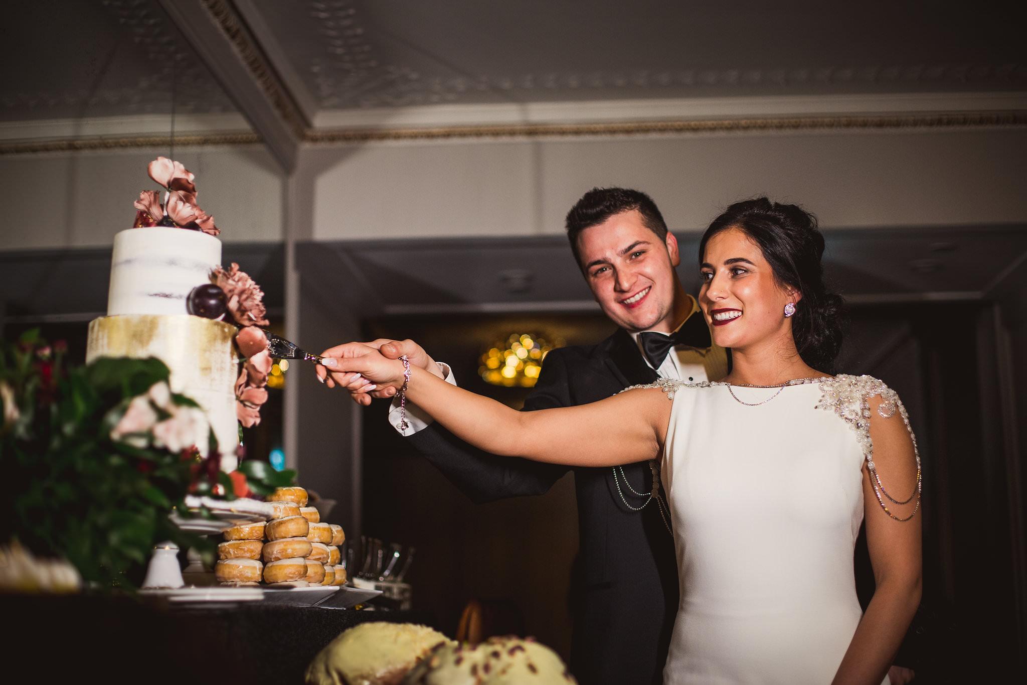 cake cutting king edward hotel wedding
