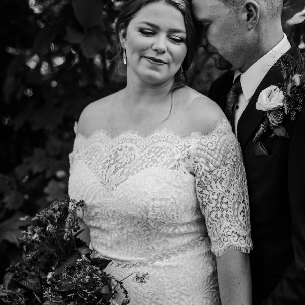 Natasha Garrit tralee wedding facility Caledon Wedding Photos 60 600x600 - Toronto Wedding Photographer Portfolio: Sarah