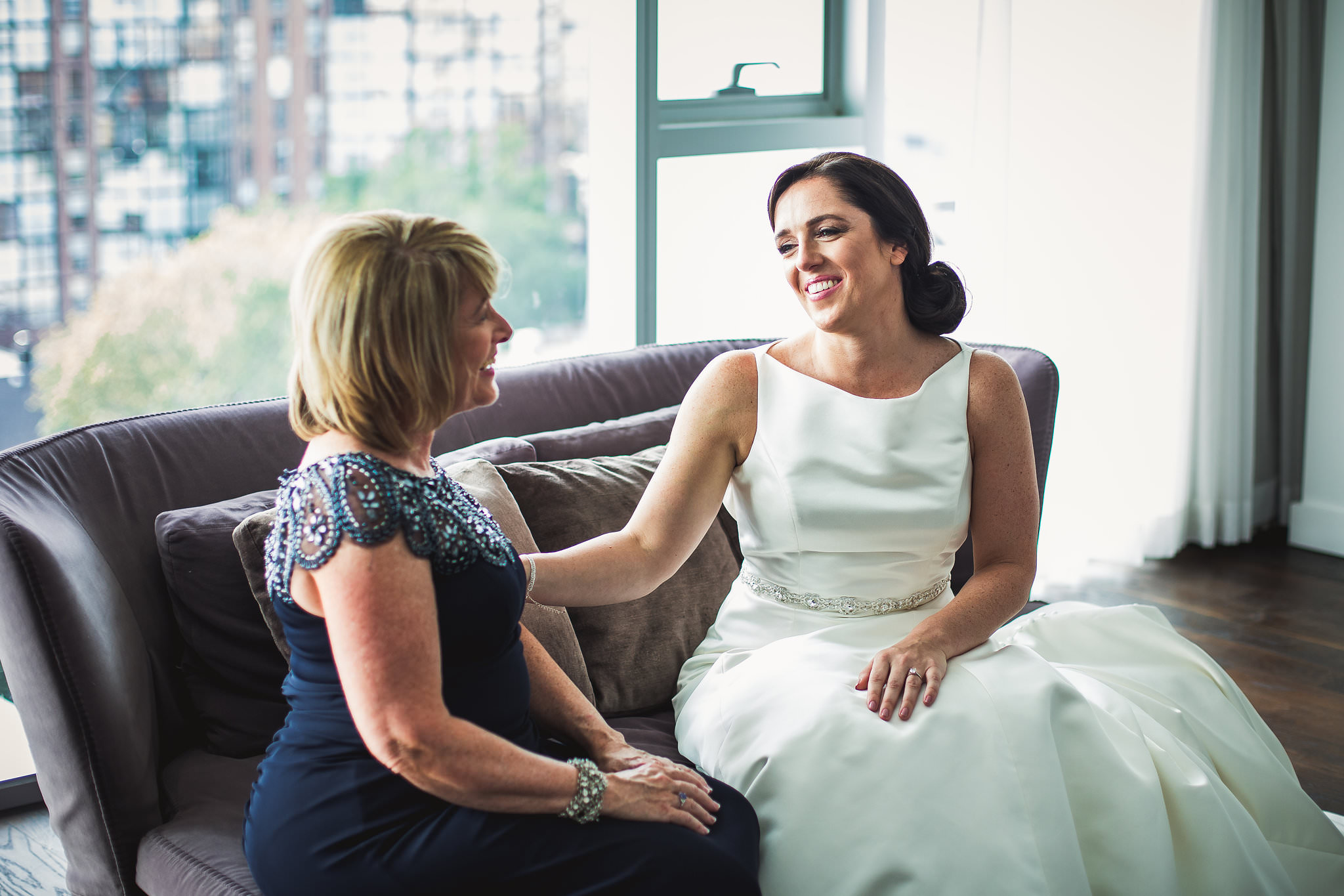 bride and mom at thompson hotel