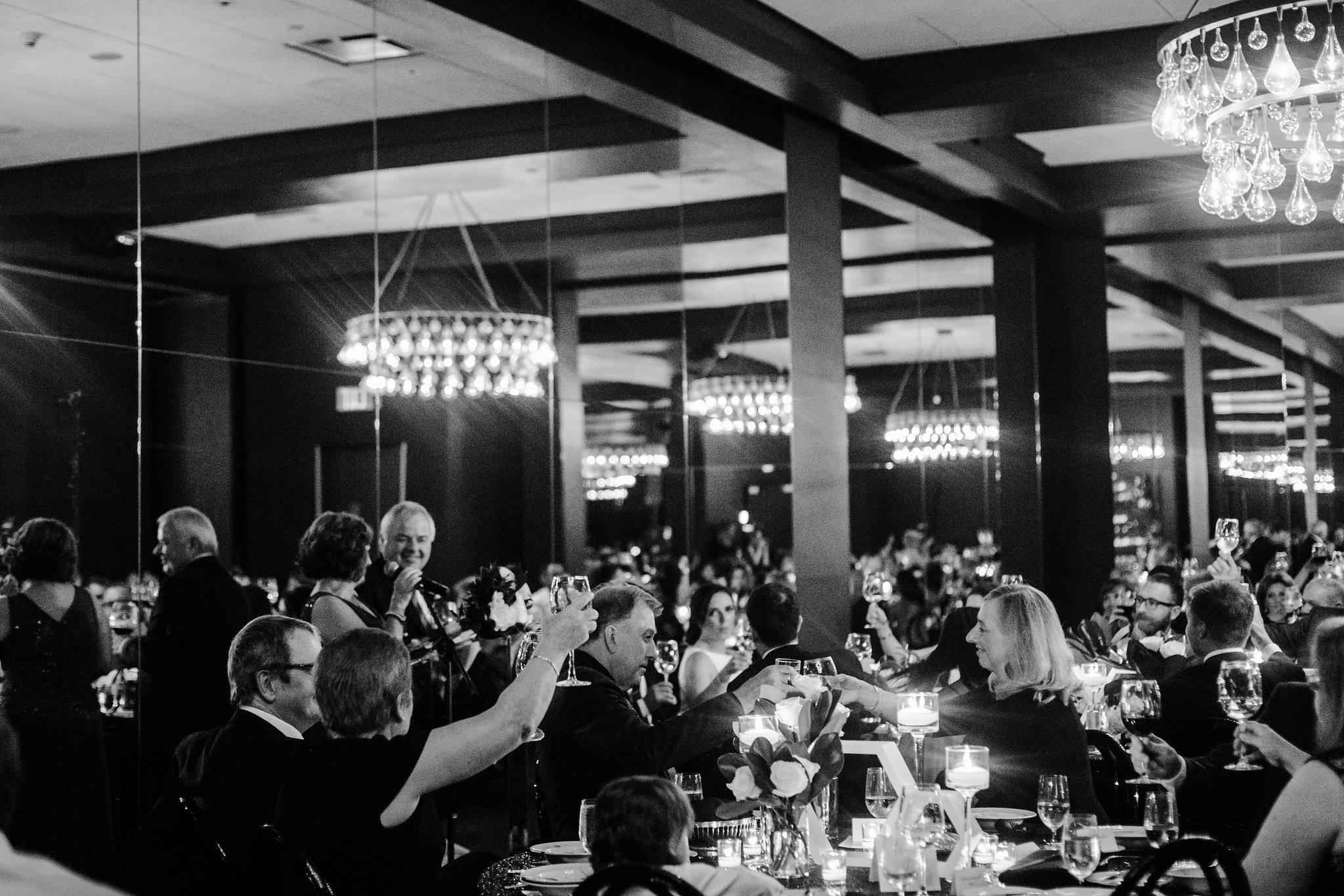 thompsonrooftopweddingphotos 10 - Thompson Hotel Wedding Photos