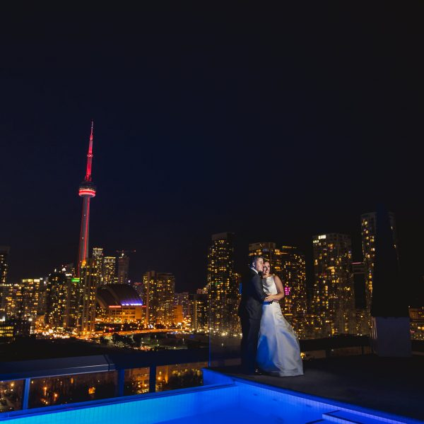 thompsonrooftopweddingphotos 48 600x600 - Durham Wedding Photographer: Chelsey