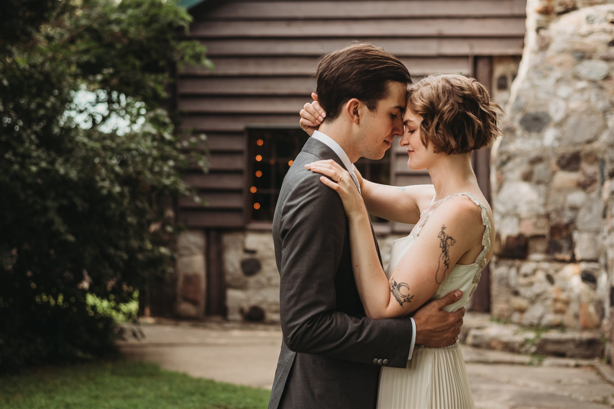 intimate wedding photos taken at Fanshawe Conservation Area
