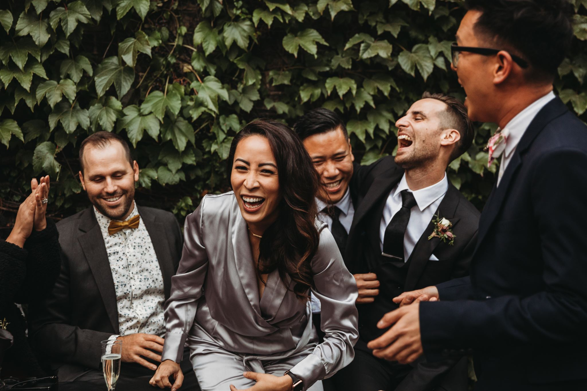 wedding photos ruined by phones, unplugged weddings