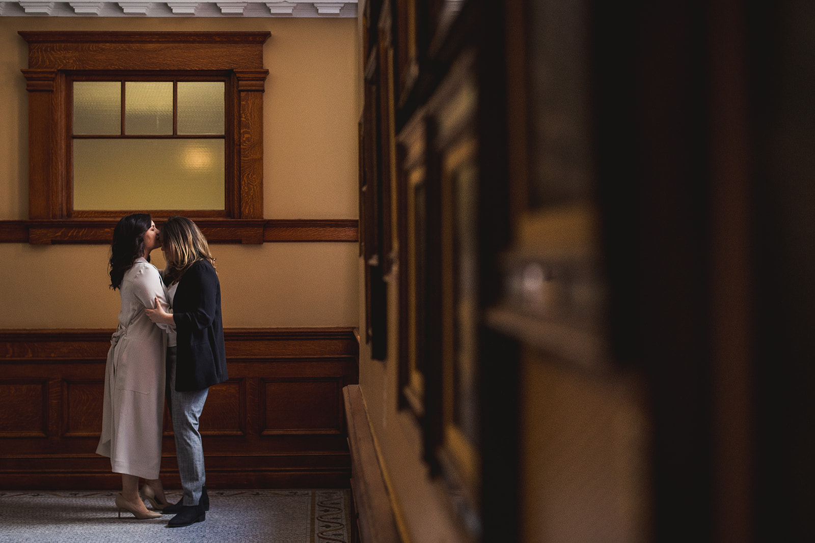 how to hire a wedding photographer, a guide to choosing a wedding photographer